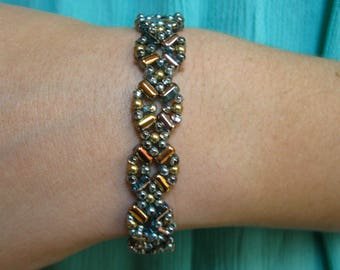 FLOWER MOTIF BEADWOVEN Bangle Bracelet