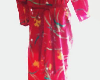BIG HOLIDAY SALE-70s Red Slinky Floral Jersey Robe-Leisure Lounge House Coat-Resort-At Home-Asian Style-Medium-Handmade-Pretty and Comfy