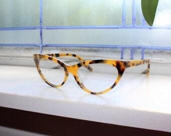 Vintage 80s Women's Cat Eye Eyeglasses Plastic Tortoise Shell