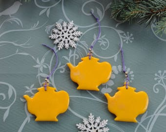 Christmas tree decorations and home decor / tea / ornaments / decorations / yellow