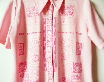 Vintage 60s Cotton Candy Pink Shirt / Retro Mod Floral Geometric Blouse / Rad Button Down in Candy Pink / Dagger Collar
