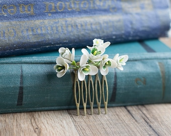 Snowdrop flower hair comb - snowdrop hair accessories - bridal hair comb - winter, spring wedding - bridal hair piece - white flowers