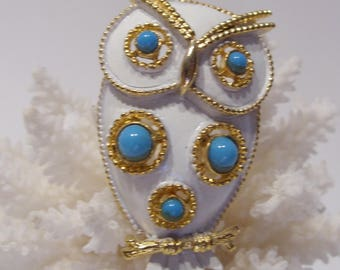 JJ Owl Brooch White Enamel Over Gold Tone with Turquoise Cabochons Great Gift!  Adorable!