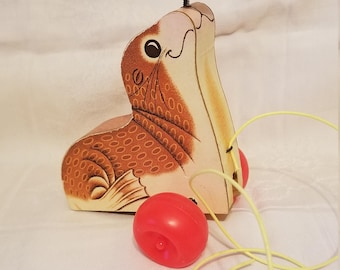 1978 Fisher Price Suzie Seal Pull Toy