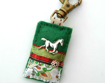 horse bag charm, horse gift, equine lover, equestrian gift, horse accessories, horse riding, teacher gift, gift ideas for girls, filly, colt