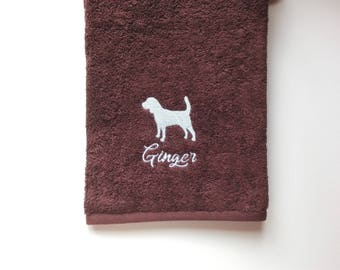 Beagle Towel / Personalized Towel / Gift / Monogrammed Towel / Hand Towel / Pets Towel / Bath Towels / Embroidered Towel