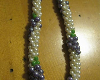 Vintage 1970's Woven Faux Pearl Seed Bead Necklace Grapes