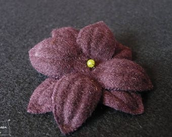 "Flower hair clip ""Nimue"" wool Burgundy Green Pearl"