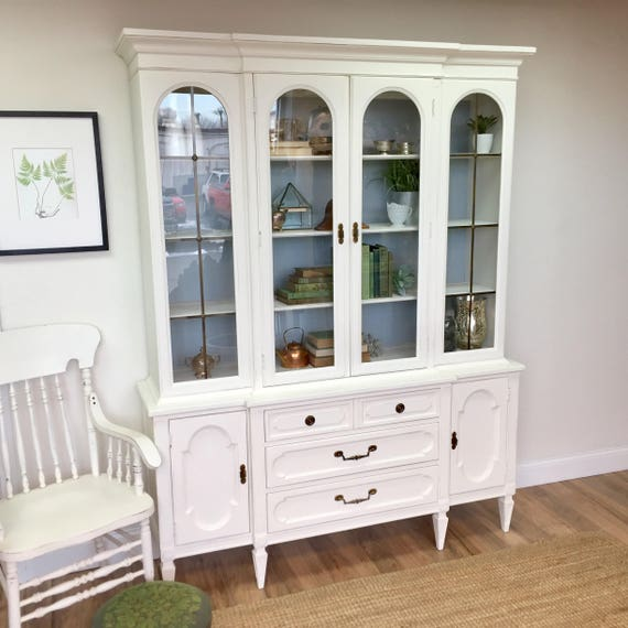 Vintage China Cabinet - Hollywood Regency Dining Room Hutch - Mid Century China Hutch - Foyer Furniture - Breakfront - Shabby Chic Hutch