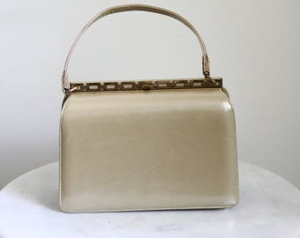 1950s Champagne Hardshell Handbag // 1960s handbag // vintage purse