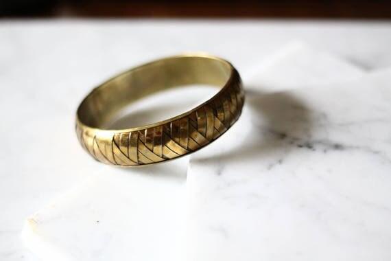 1970s skinny brass woven bangle // bangle bracelet // vintage jewlery