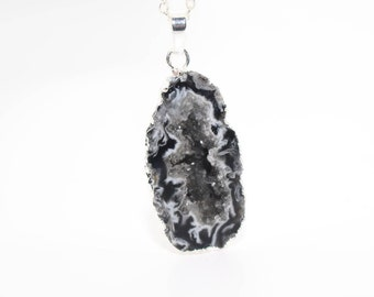 Druzy Geode Necklace, Druzy Geode Jewellery, Crystal Geode Necklace, Geode Necklace, Druzy Necklace, Semi Precious Gemstone Necklace