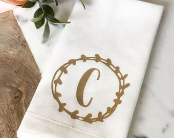 Personalized Monogram Linen Napkins with Wreath Custom napkin Neutral linen napkin brown white beige napkin wedding gift hostess gift