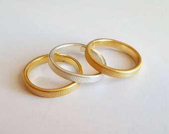 rings gilded with fine gold