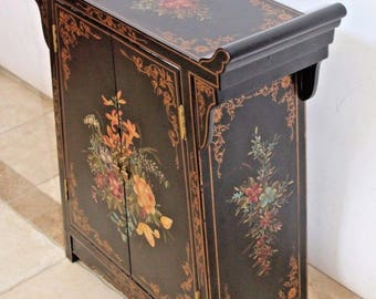 Chinese Asian Black Lacquer Petite Sideboard Console Buffet Cabinet Storage Insured safe Nation Wide Shipping Available