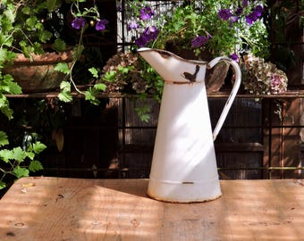 Vintage Enamel Water Pitcher, French WaterJug, Bathroom Pitcher, Shabby Chic Country Kitchen, Broc Cruche Pichet Tôle Émaillée
