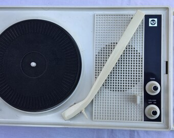 Portable Record Player The Music Box by RCA Model VZP11