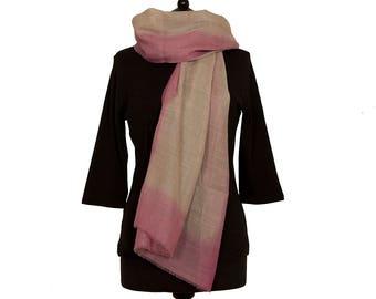 MERINO WOOL SCARF - Fine beige scarf with pastel pink border