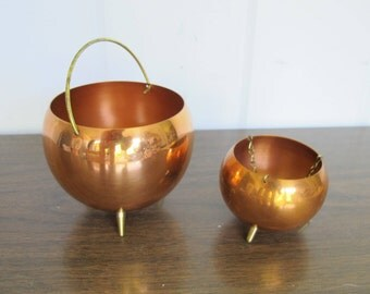 Set of 2 Coppercraft Guild Copper and Brass Hanging Pots