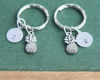 Pineapple Keychain, Couple Keychains, Set of 2, Best Friends Gift, Sisters Gift, Friendship Gift, Personalized Keychain, Christmas gift