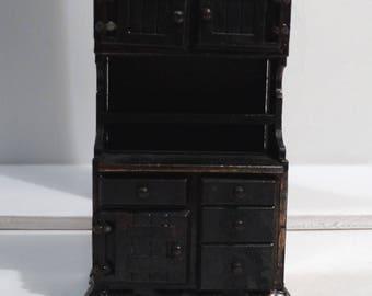 Dollhouse Miniatures - Die-Cast Metal Kitchen Hutch - Larder - Durham Industries