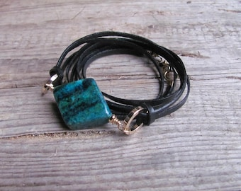 Natural leather and Chrysocolla bracelet