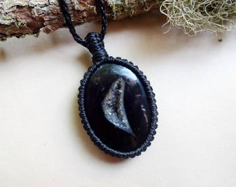 Macrame Druzy Geode Black Agate Onyx knotted pendant necklace jewelry