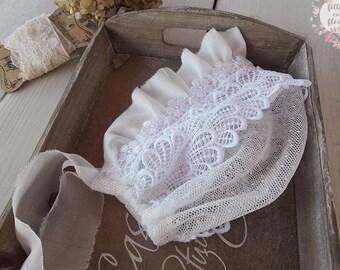 White lace bonnet, photo Ruffle bonnet, lace Fabric Hat, Neutral baby bonnet, baby white lace, Newborn photo prop, photo session prop
