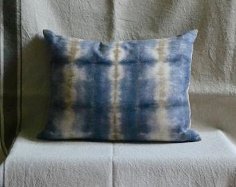 Natural Dye Organic Cotton Cushion - 30 x 40 cm
