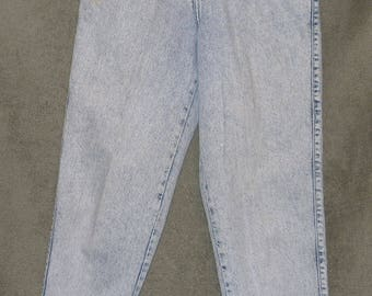Levi's 900 Series, Levi's 902 Jeans, Vintage Jeans, Women's Size 8 (26x30.5), Mom Jeans, High Waist, Tapered Leg, Acid Wash, Good Condition