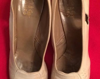 1940s+/- Soft Leather Bone Peep Toe Pumps, size 7A