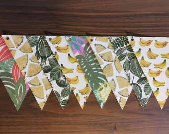 Garland retro pineapple banana leaves