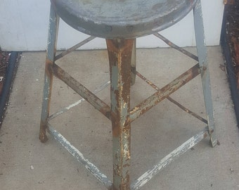 Mid Century Metal Stool, Shop Chair, Industrial Chair, Farmhouse Modern, Shabby Chic, Cottage ,Steampunk, Old Stool, Rusty, Rustic AK77
