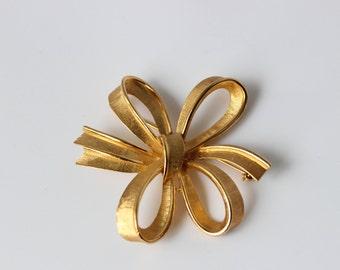 Trifari Bow Brooch Gold Tone Sighed
