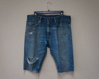 Levi's  high waisted Distressed medium wash 36 in