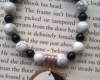 Yin & Yang Painted Wood Slice Beaded Bracelet