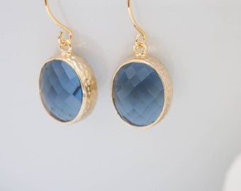 Earrings yellow gold blue dark blue hammered matt