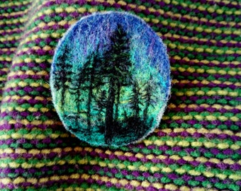 Needle Felt Brooch Northern Polar Lights Merry Dancers Landscape Broach Scenery Embroidered Pin Pine Trees Nature View Lover Paysage Gift