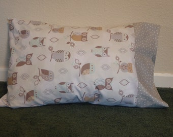 OWLS in GRAY & BROWN  pillow case w/polka dot border