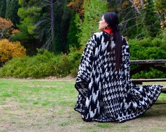Pied de Poule Black and White Wool Cape Chic Kimono Dress High quality Handmade – Full Length –