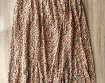Vintage style floral skirt (New Look)/ no used