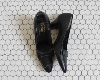 SALE// Perkies shoes | vintage 1960s court heels | 60s black shoes 6.5
