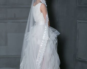 Lace bridal veil with silk ribbon , Mantilla lace ivory veil, Ivory fingertip veil, Cathedral veil, Blush veil, White lace veil.