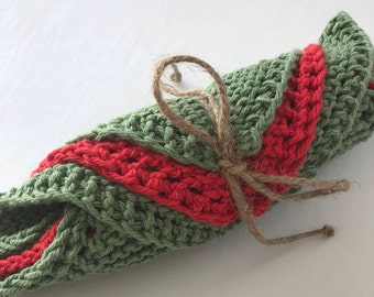 Classic Red and Green Dish Towels / Trivets / Pot Holders