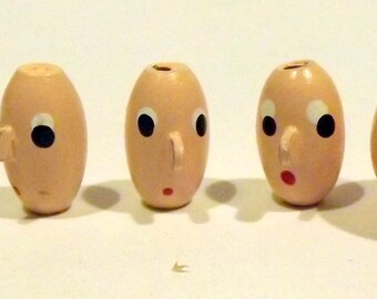 5 painted doll faces beads
