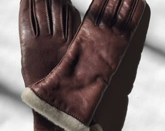 Brown SHERPA Lined LEATHER Gloves Vtg 90s Distressed Textured Winter Buttery Soft Fleece Faux Fur Alaskan Ski Mittens Whip Stitch - Small