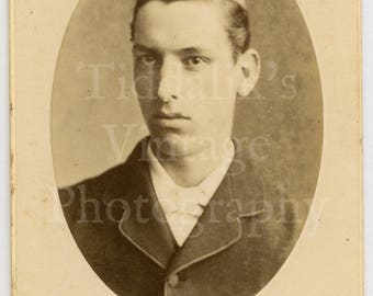 CDV Carte de Visite Photo Young Handsome Victorian Young Dapper Man Oval Framed by Henry Gregson of Luton England - Antique Photograph