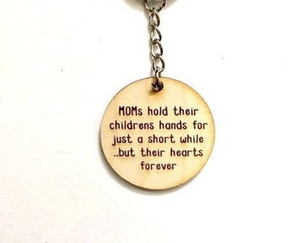 Mom keychain - mothers hold their childrens hands - Mother's Day gift, gift for mom