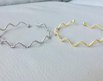 Dainty wavy Bangle, Twisted Bangle, Open Thin Bangle, Adjustable Bangle, Gold Bracelet,