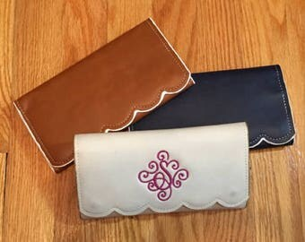 Monogram Wallet, Embroidered Wallet, Personalized Wallet, Personalized Gift, Scalloped Wallet